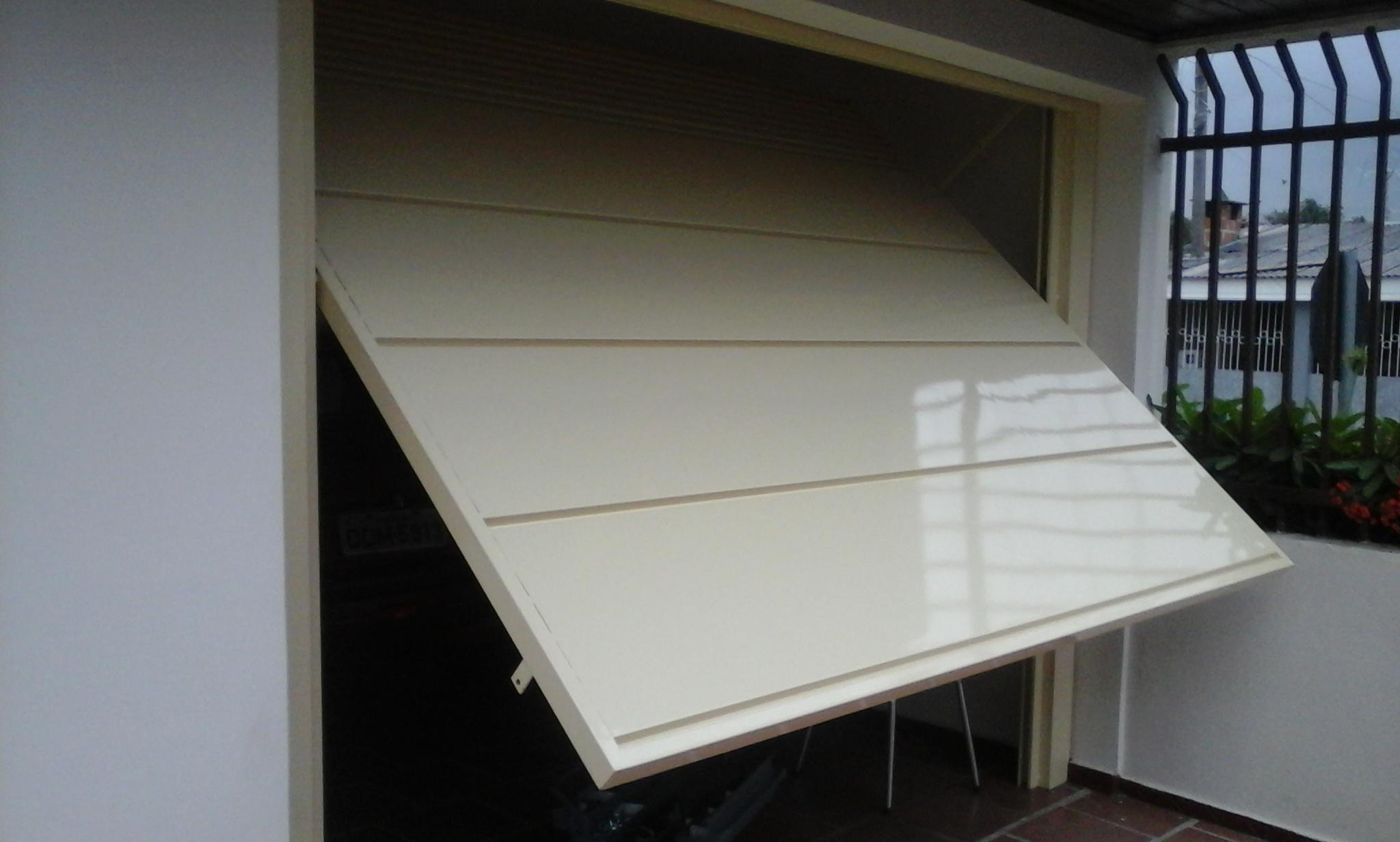 #4B6580 Material produzido em alumino vidro madeira e aço inox 1818 Janela De Aluminio Pode Ser Pintada De Branco
