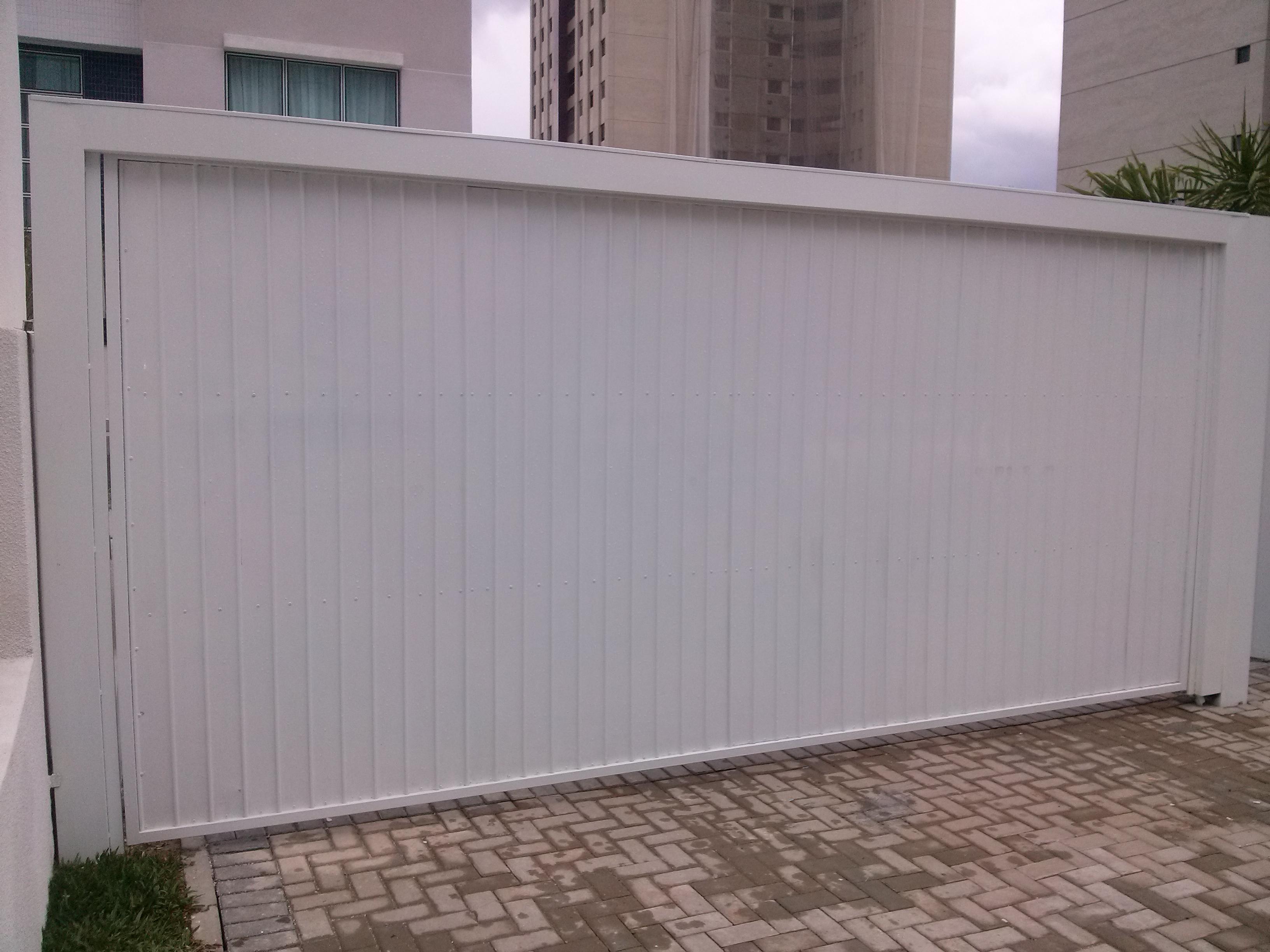 Portão de Aço automático em Curitiba