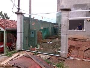 portao de vidro em curitiba
